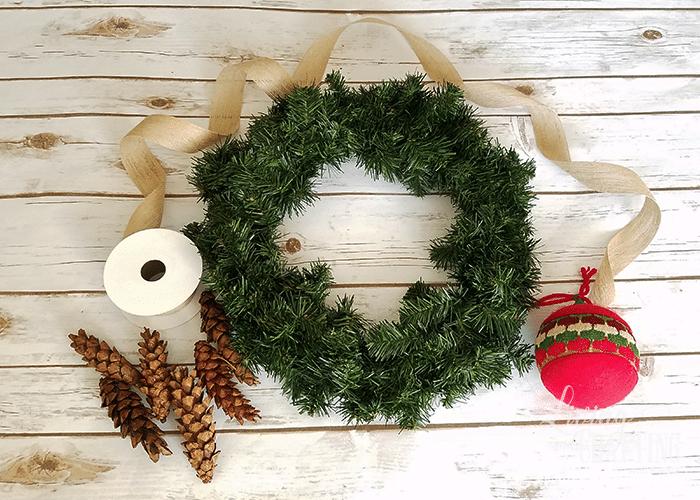 DIY Burlap Christmas Wreath 1