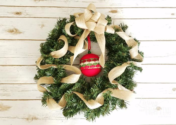 DIY Burlap Christmas Wreath 12