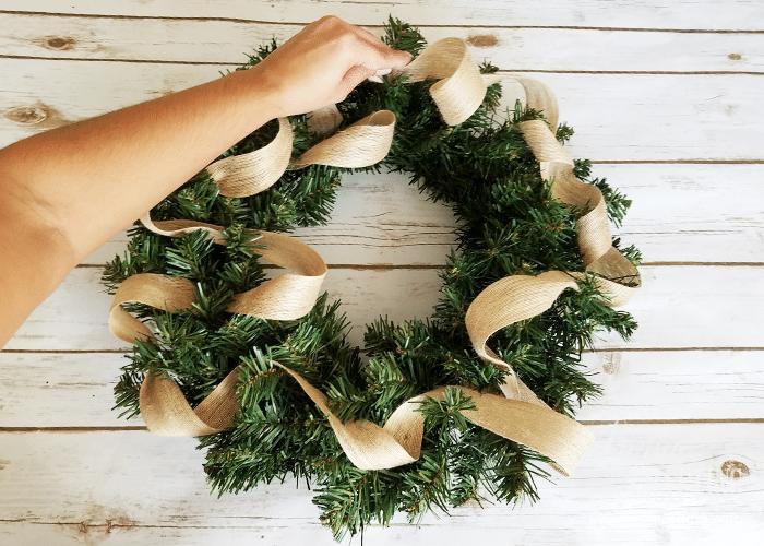 DIY Burlap Christmas Wreath 3
