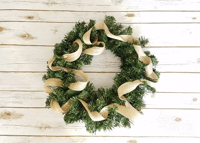 DIY Burlap Christmas Wreath 4
