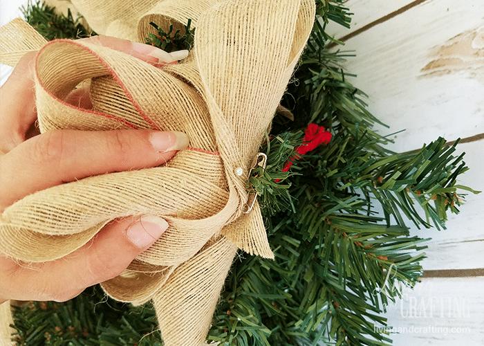 DIY Burlap Christmas Wreath 8