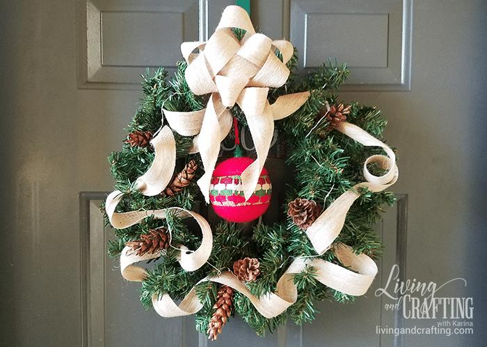 DIY Burlap Christmas Wreath front door