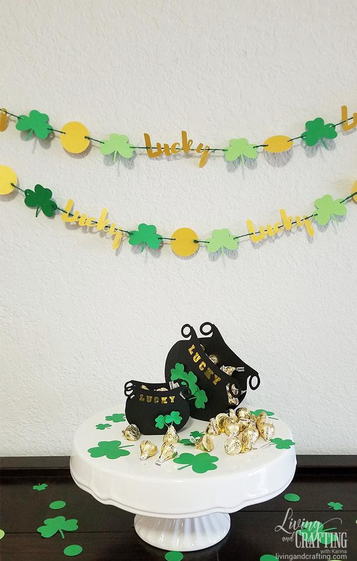 St Patricks Day Garland candy table