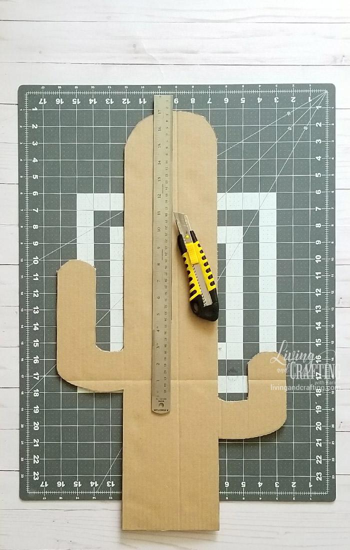 Easy Cardboard Cactus 4